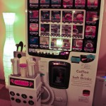 nekorobi cat cafe ikebukuro drinks vending machine, nekorobi cat cafe ikebukuro distributeur de boissons