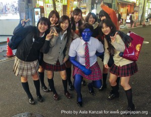 halloween in japan blue akb 48 japanese schoolgirls 300x233 Halloween in Japan: A Blue AKB 48 in Shinjuku