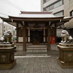 Yamanote Walk 8 février 2014 - petit temple sous la neige