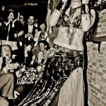 belly dance oriental night tokyo japan black and white; belly dance oriental soirée tokyo au japon