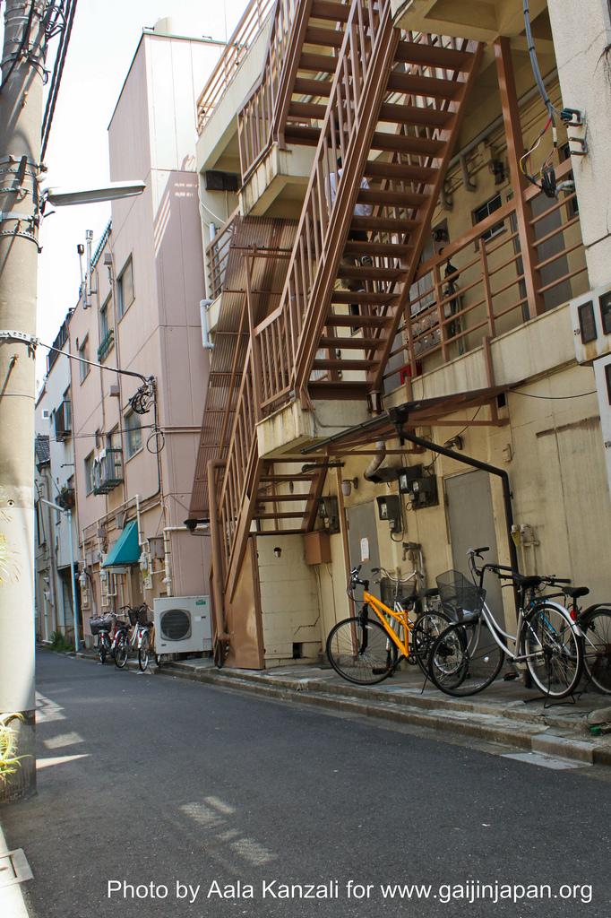 nishi asakusa, narrow street, tokyo, japan, japon, guesthouse