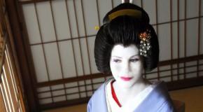 Fiona Graham est Sayuki, la première Geisha étrangère au Japon, et à éviter absolument