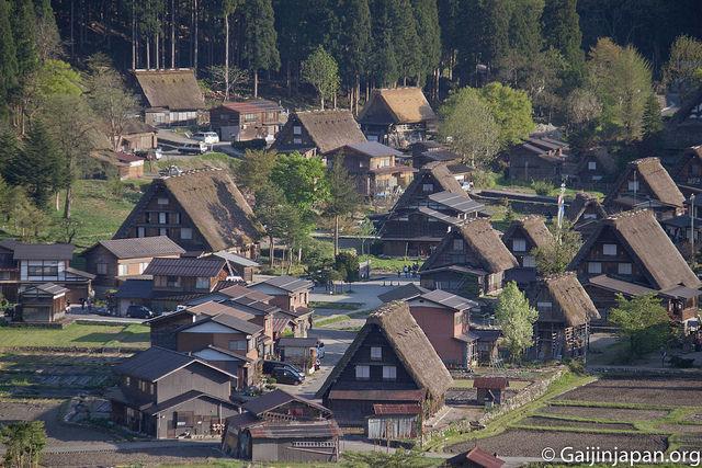shirakawa go patrimoine unesco aux maisons traditionnelles un gaijin au japon. Black Bedroom Furniture Sets. Home Design Ideas
